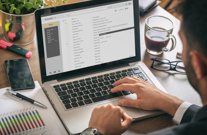 analysera email